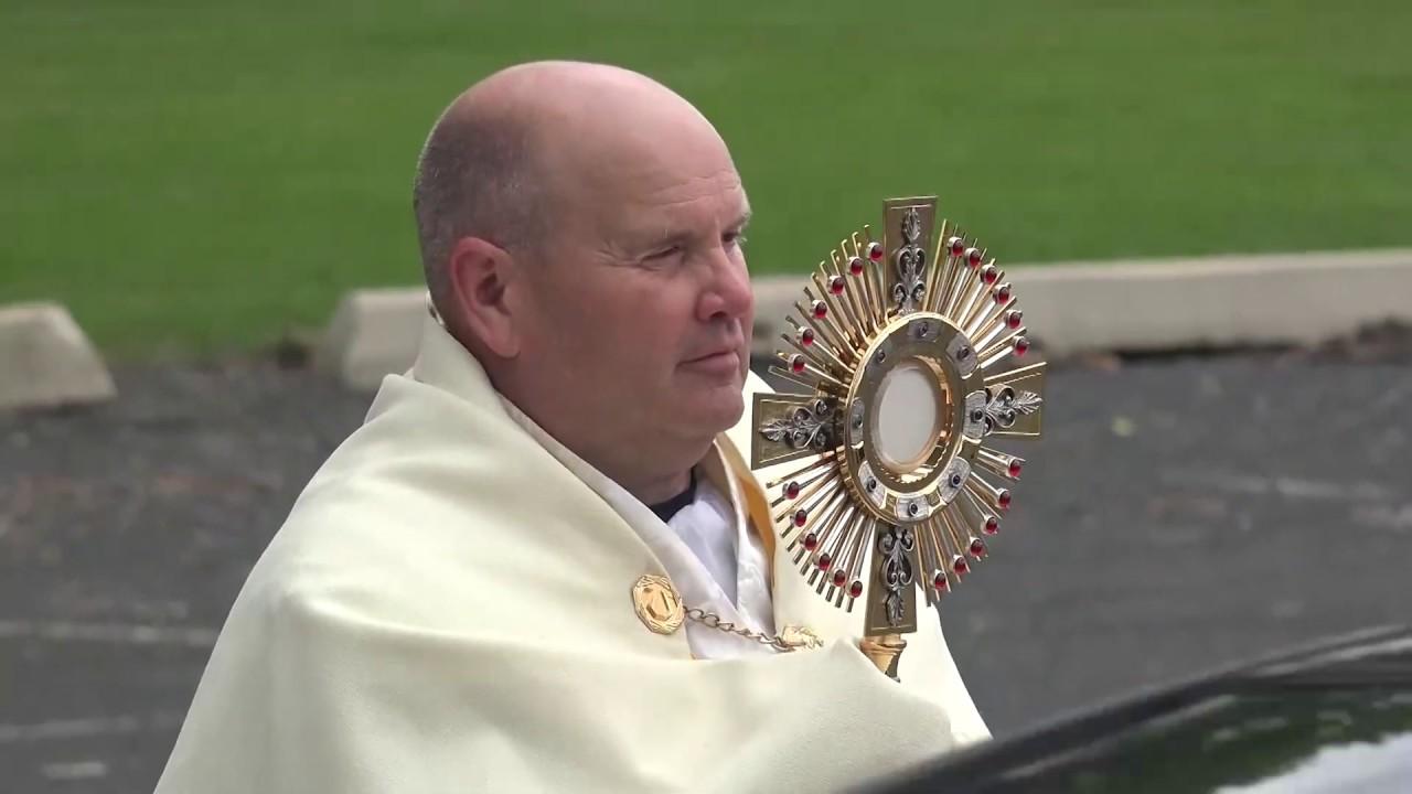 THE PARKING LOT PRIEST: Minnesota Bishops Defy Governor